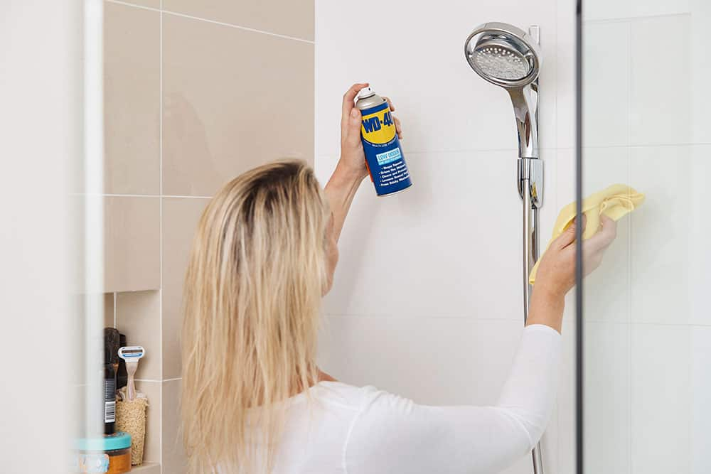 How To Clean Bathroom Tiles Toilets And Showers With Wd 40 Wd